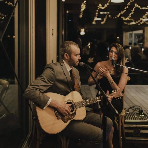 Izzy & Moe: Acoustic Duo